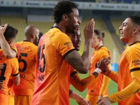 Dev derbide Galatasaray sevindi