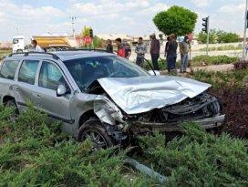 Konya yolunda otomobiller çarpıştı: 3 yaralı