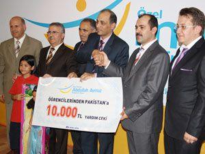 Bir yıllık harçlığını Pakistana gönderdi