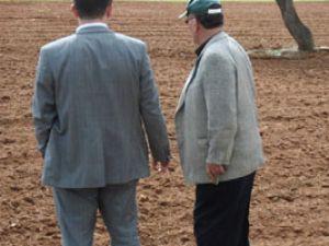 Çiftçi tarlaya giremiyor