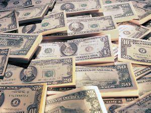 Dolar rekor kırarak zirveye ulaştı
