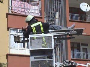 5. kattan düştü, şans eseri kurtuldu