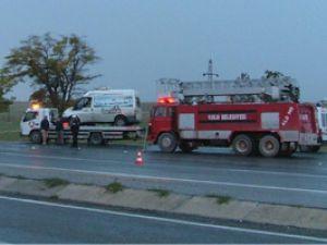 Konyada et yüklü kamyon devrildi:1 ölü