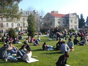 Üniversiteden atılanlara af müjdesi