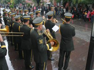Askeri bandodan mini konser