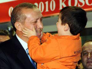 Küçük Tayyipin Erdoğan sevgisi