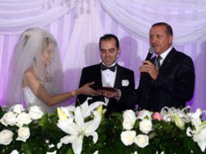 Yeni gelin nikahta Başbakana söz verdi