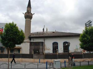 Tolluoğlu Camii restore ediliyor