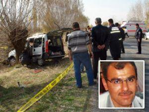 Polis memurları kaza yaptı