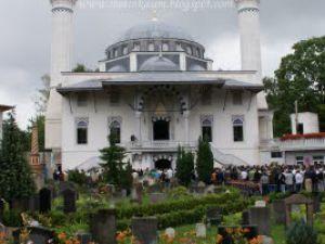 Berlin Türk şehitlik camisi 4.kez kundaklandı