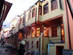 Tarihi evde yangın çıktı