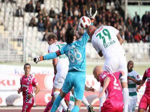 Hakem Yıldırım Konyasporun galibiyetini çaldı