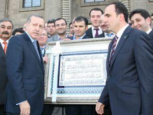 Selçuklu teşkilatı Başbakan Erdoğanı ziyaret etti