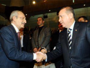 Başbakan Erdoğan ile Kılıçdaroğlu Konyada el sıkıştı