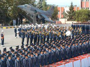 Konyada pilotlar diplomalarını aldı