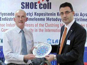 Ayakkabı sektörü Konyada masaya yatırıldı