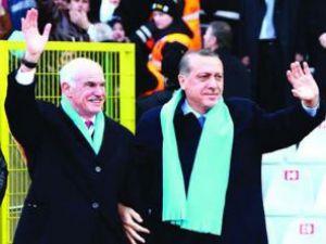 Papandreu:Erdoğanı kardeş ilan ediyorum
