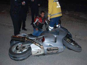 Cipin çarptığı motosiklet sürücüsü yaralandı