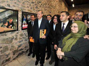 Erdoğan kendi sergisini açtı