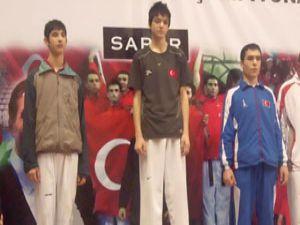 Talha Sarı Türkiye şampiyonu oldu