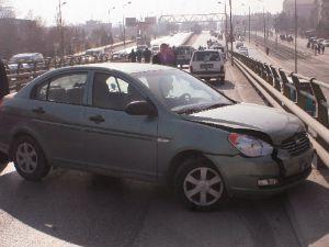 4 araç birbirine girdi: 1 ölü