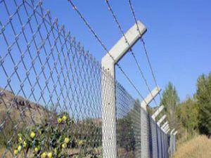 Yunanistan çit çekmede ısrarlı