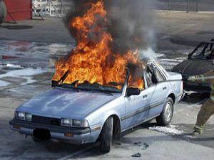 İstanbulda 22 araba yakıldı