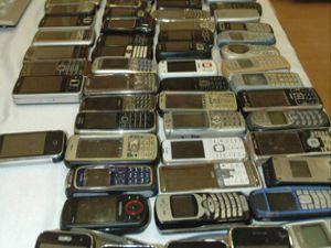 Çalıntı telefonlar sahiplerini bekliyor