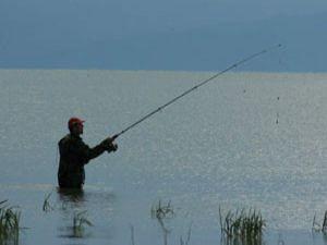 Beyşehir Gölüne olta atanlara uyarı