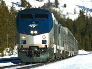 Yolcu treni kadına çarptı