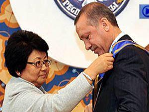 Başbakana Devlet nişanı