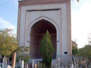 Tarihi mezarlıklara restore kararı