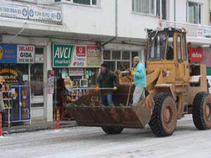 Beyşehirde kar 15 santime ulaştı