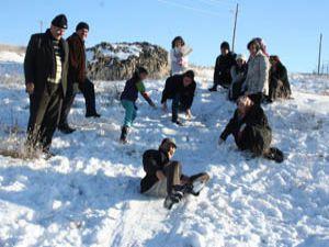 Gurbetçilerin kar keyfi