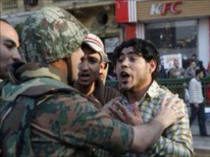 Mısırda asker-halk gerilimi