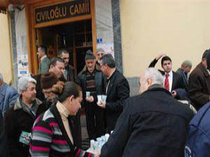 Karatay Belediyesi kandil simidi dağıttı