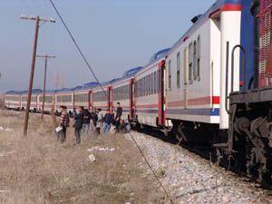 Trenin çarptığı çoban ağır yaralandı