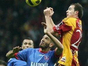 Galatasaray tel tel dökülüyor