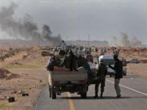 Kaddafi masum halkı bombalıyor