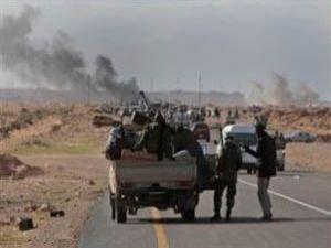 Direnişçiler bombalara karşı direniyorlar