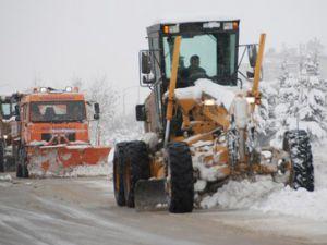 Konya Büyükşehir yolları temizliyor