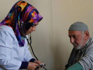 Emekliler Konağında sağlık taraması