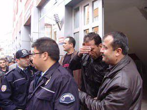 Polisler saatlerce ikna için uğraştı