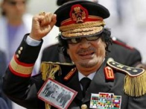 Muammer Kaddafi öldürüldü