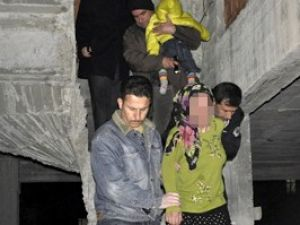 Kucağındaki bebeğiyle intihara kalkıştı