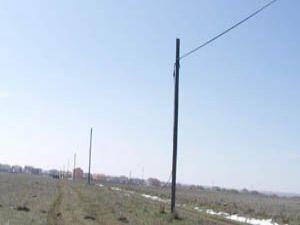 Telefon direğinden 450 metre kablo çaldılar