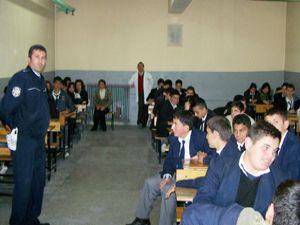 Öğrencilere trafik eğitim semineri