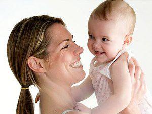 Doğumdan hemen sonra konuşan bebek