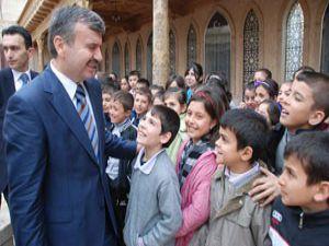 7 Yılda 77 Bin Öğrenciye Kurs, 66 Bin Öğrenciye Eğitim Yardımı