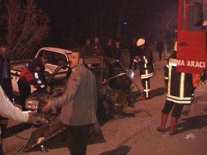 Hatıp Caddesinde kaza: 3 yaralı